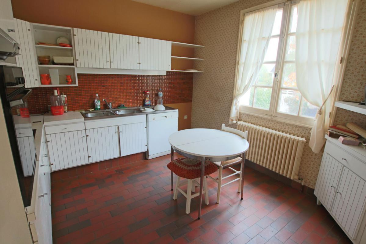 Immobiliare ch teaudun francia francia for Garage ad chateaudun